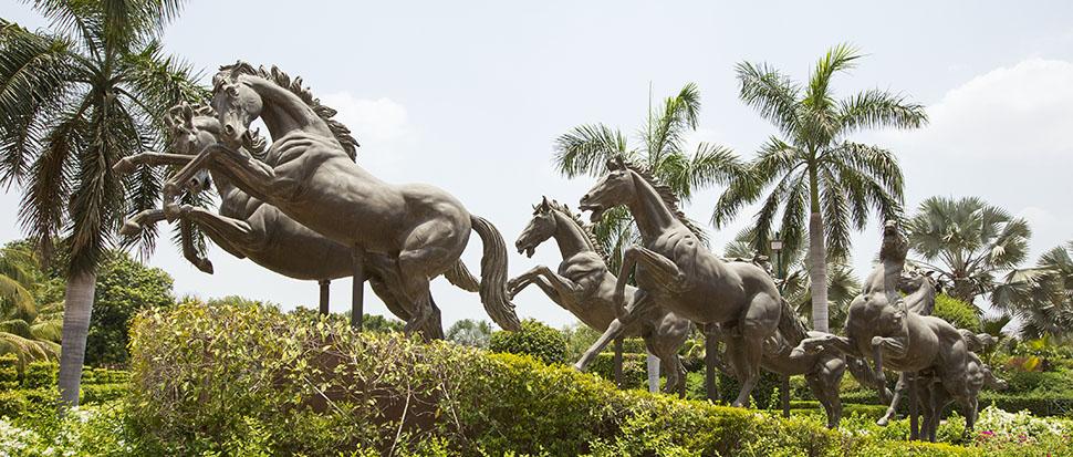 Swaminarayan Akshardham, Gujarat: Garden - Surya Rath