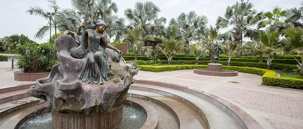 Swaminarayan Akshardham, Gujarat: Garden - Holy Rivers