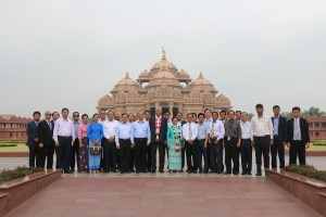 Myanmar President H.E. U Htin Kyawand delegation visit Swaminarayan Akshardham in New Delhi