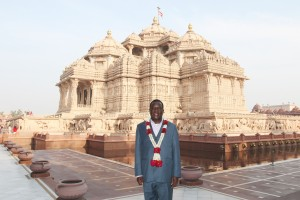 Zimbabwe Vice President Honourable Emmerson Dambudzo Mnangagwa  visits Swaminarayan Akshardham, New Delhi on January 18, 2017.