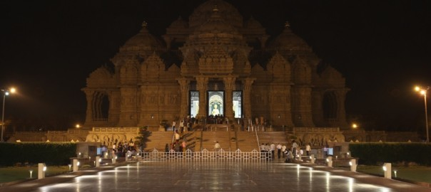 002_swaminarayan_akshardham_earth_hour2