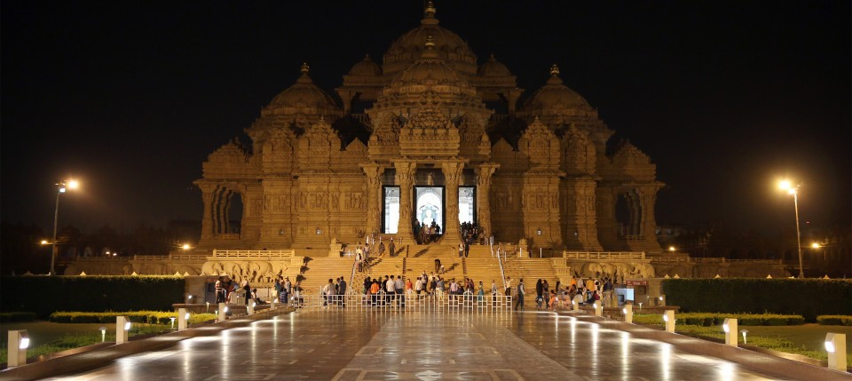 10th Annual Earth Hour Celebrated at Swaminarayan Akshardham in New Delhi